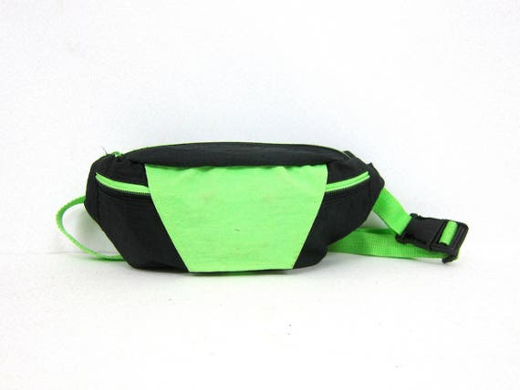 Black and Green Nylon Fanny Pack 1980s FANNY PACK purse Unisex retro Hipster Walking Jogging Waist Bag