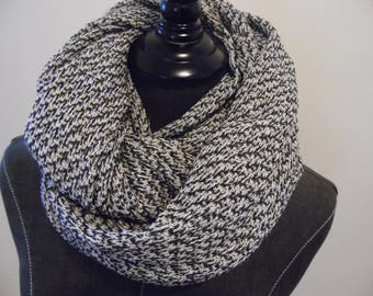 Black & White.Infinity Scarf.SCARVES.Modern.Gift for Her.Circle Scarf.Tube Scarf.Light Knit Scarves.SpringScarf.WinterScarf.FallScarf