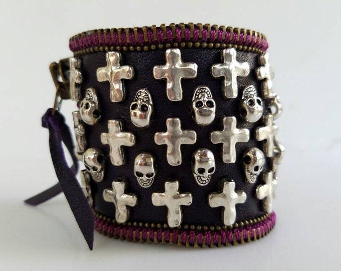 Crosses & Skulls.