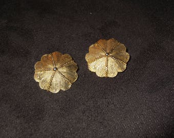 Vintage Gold Tone Clip On Earrings / Free Shipping