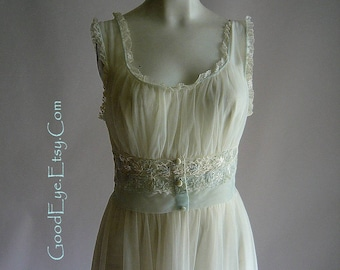 Vintage 50s Night Gown GOTHAM GOLD Stripe /Bust  size 32 34 small / Knee Length Nylon Lace / White and Pastel Blue Embroidery