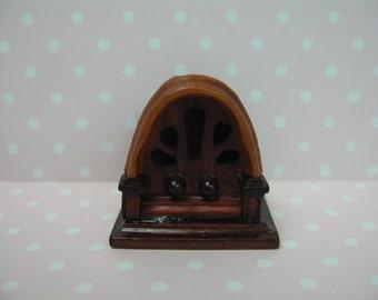 Dollhouse Miniature Antique Style Table Radio
