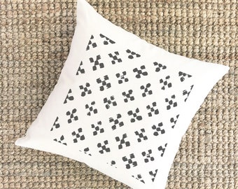 Boho Pattern Pillow | Crosses Pattern Print | Southwestern Decor | Rustic Home Decor Ideas | Modern Farmhouse Throw Pillows Mudcloth Style