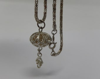 Silver metal chain, with filigree medallion with fatma hand, free shipping