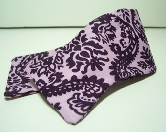 Freestyle Bow Tie for Men in Purple Damask