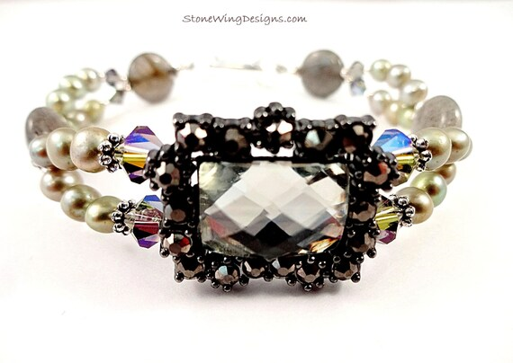 Labradorite, Freshwater Pearls and Swarovski Crystals Bracelet