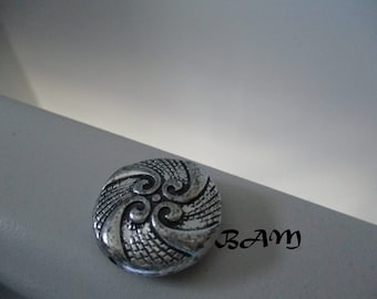 Set of 2 silver-black beads with pretty patterns 25mm