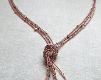 Necklace knotted pink