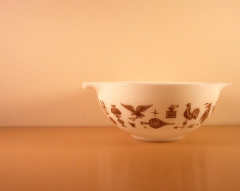 Vintage Pyrex Cinderella Early American Mixing Bowl Milk Glass Brown Eagle 2.5 QT