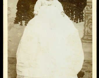 Illinois - Antique Unidentified INFANT Cabinet Card - Meier's Studio 1800s