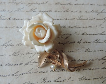 Judy Lee rose brooch 1960s gold and cream vintage flower pin