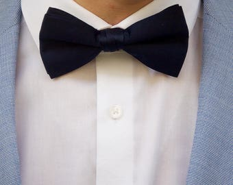 Men's Navy Blue Bow Tie
