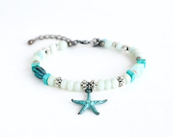 Aqua beaded starfish bracelet, blue bead bracelet, boho style jewelry, beach boho bracelet, statement jewelry, sand dollar charm bracelet