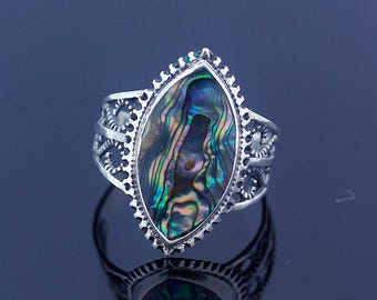 Abalone Silver Ring // Ring Size 8 // Sterling Silver 925 // Handmade Jewelry