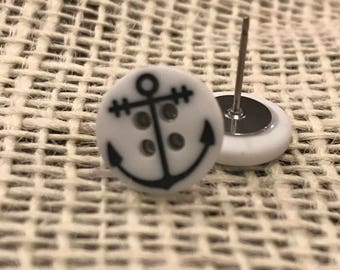 Anchor button earrings!