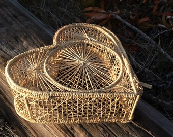 Vintage wicker box with lid