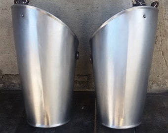 Thigh armour (Greaves)