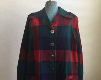 Vintage Pendleton red and green plaid buttoned long sleeve shirt jacket
