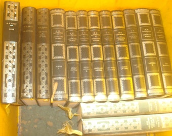 Set of 14 D.H. Lawrence, &  H.G. Wells . Heron books