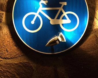 lamp road sign start cycle path