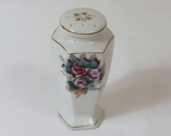 Vintage Porcelain Salt or Pepper Shaker, made in Occupied Japan.