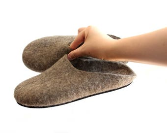 Natural Wool Clogs, Wool Womens Slippers Mens, Beige Natural, Felted Clogs, felt Shoes, Slip On slippers, 100% Organic Gifts Winter Shoes