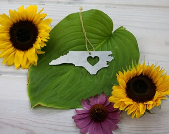 Love North Carolina Spring Decor Christmas Ornament Custom Gift for Her Personalized Stamping Engraving State Souvenir Travel Home Wedding