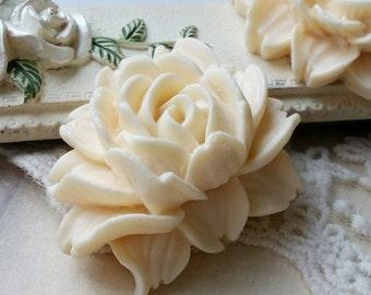 45 x 35 mm Beige Resin Flower Cabochons  (.uu)(zzb)