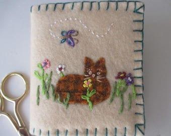Needle Book/Wool Needle Book/Felt Needlebook/Tabby orange Kitty in the Yard
