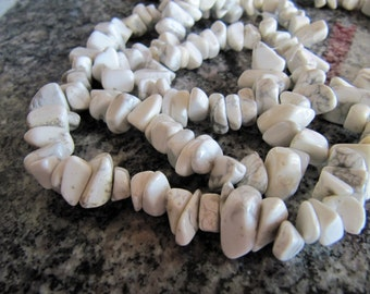 Natural Howlite Chip Beads in White and Gray, Medium to Large Pebbles, 1 Strand 16 Inches