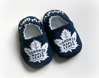 Toronto Maple Leafs hockey team baby/toddler cotton slippers.  ToughTEK soles for 9 months up. Made to order.