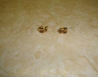 vintage screw back earrings goldtone braid napier