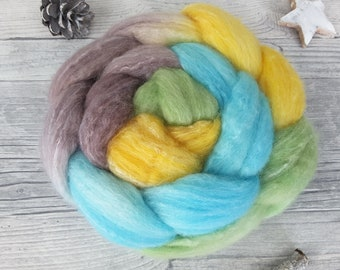 Hand Dyed Roving with Colour Gradient, Spinning Fibers – polwarth, bamboo, tussah – GARTENLAUBE – 3,53oz