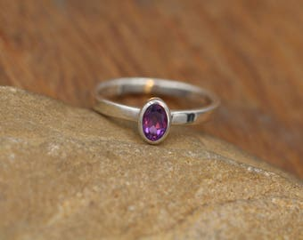 Amethyst Bezel Ring - 4x6mm Oval Amethyst - Oval Amethyst Ring - Grape Amethyst Sterling Silver Ring - Amethyst Solitaire Ring
