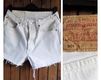 Womens cream levi 501 shorts cut off frayed Levi cream jean shorts Waist 30/31 inches
