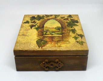 Vintage style box , wooden keepsake box , jewelry box , decoupage box .