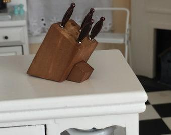Miniature Knife Block, Knives, Dollhouse Miniature, 1:12 Scale, Kitchen Decor Accessory, Mini Wood Knife Block, Dollhouse Accessories