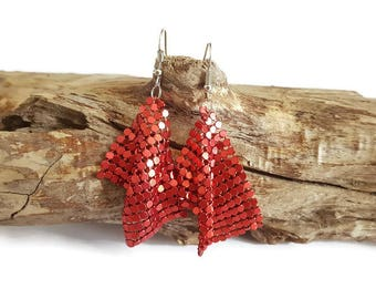 Red chainmail earrings