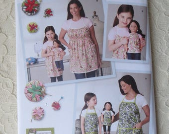 Simplicity 1554 Sewing Pattern Child's, Misses & 18 inch Doll Aprons and Pincushion