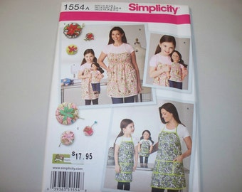 New Simplicity Apron Pattern 1554A, Mommy, Me and Dollie  (Free US Shipping)