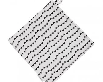 Small triangles trivet