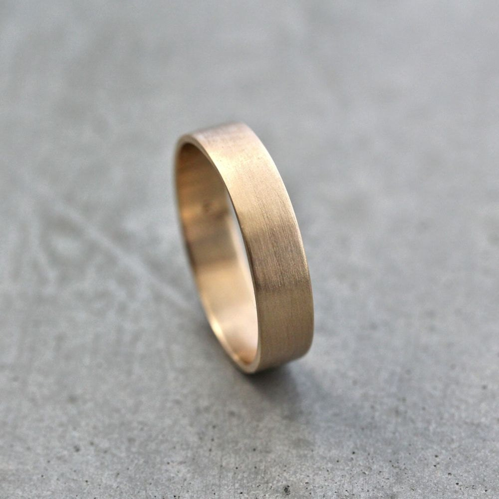 Well-liked Men's Gold Wedding Band Unisex 5mm Wide Brushed Flat 10k DT12