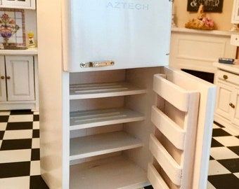 SALE Miniature 1950s Refrigerator, White Fridge, Dollhouse Miniature, 1:12 Scale, Retro White Kitchen Fridge, Dollhouse Kitchen Furniture