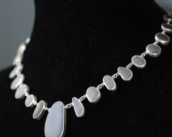 Gradiated Stone Necklace