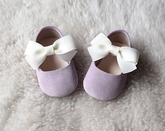 Lilac Baby Girl Shoes, Baby Moccasins, Purple Baby Shoes, Flower Girl Shoes, Baby Dress Shoes, Baby Shower Gift, Christmas Gift for Girls