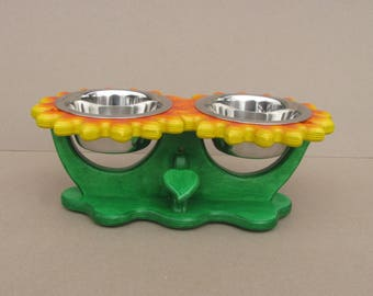 Pet bowl holder SUNFLOWERS (size S and M) - flower shape feeder - dog bowl stand - cat bowl holder - elevated dog dish - raised pet feeder