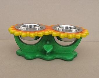 Pet bowl holder SUNFLOWERS (size S and M) - flower shape feeder - dog bowl stand - cat bowl holder - elevated dog dish - raised pet feeder