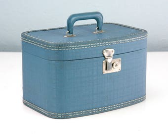 Vintage Blue Train Case, Small Suitcase, Makeup Case, Cosmetic Case, Vintage Suitcase, Movie Prop, Stage Prop, Film Prop