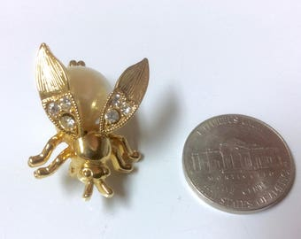 Vintage Trembler Pin Brooch Bumble Bee Insect Rhinestones Faux Pearl Body Gold Tone