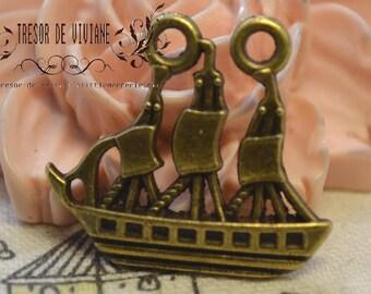 set of 8 QWP123 pendants, bronze, boat